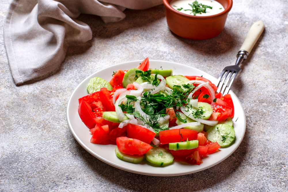 salad-with-cucumber-and-tomato-2AWQMKH