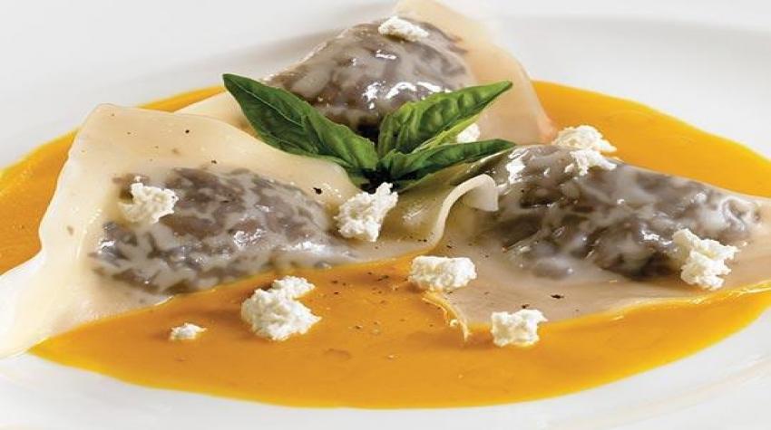 mushroom-ravioli-in-butternut-squash-bisque-minors-nestle-pro-food-service-recipe-540x400_resized