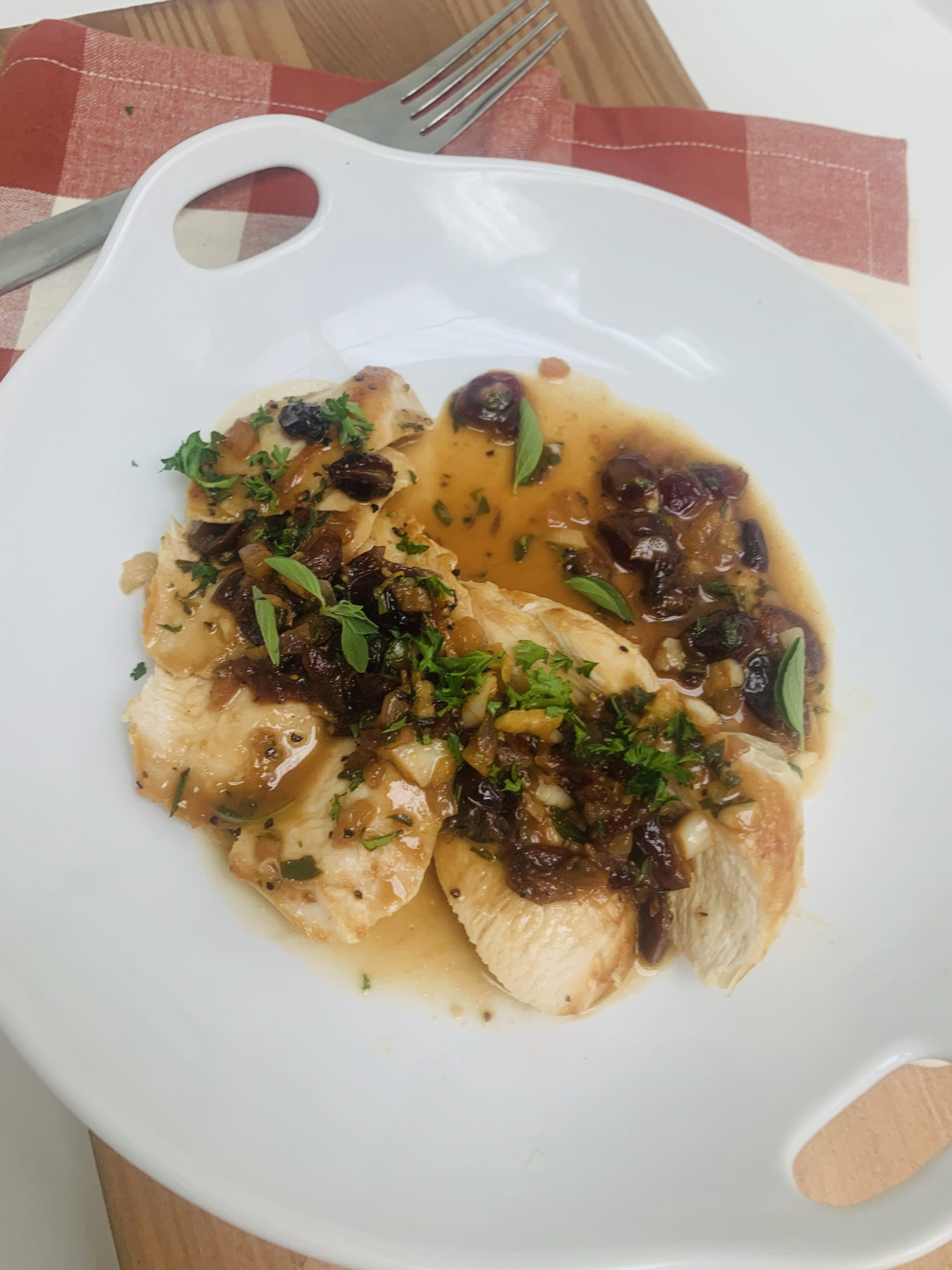 chicken-with-cranberry-pan-sauce-pic1